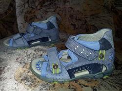 Босоножки сандалии Bartek кожа p.25 стелька 16 см в отличном состоянии
