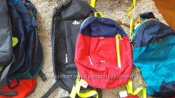 В наявності два дитячі рюкзачки Quechua