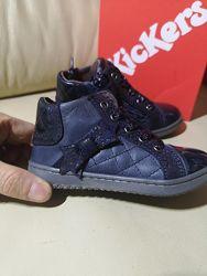 Нежнейшие очень красивые деми ботинки KicKers Оригинал