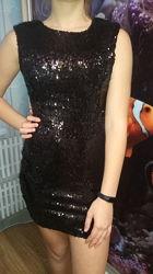 Шикарное платье в пайетках