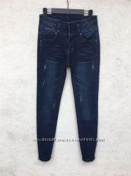 Классные  стрейчевые джинсы  с высокой посадкой