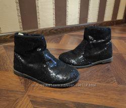 Красивые ботинки в паетках Crazy8