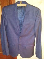 Стильный молодежный пиджак синего цвета классика размер М на 44-46 р.