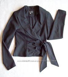 Пиджак жакет, длина 48 см.