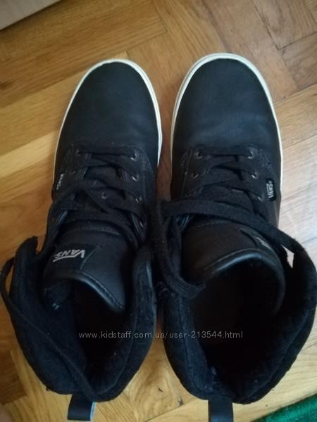 Ботинки хайтопы Vans  39 размера