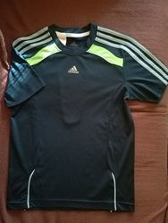 Спортивная футболка Adidas на 10-12 лет