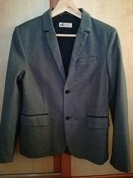 Очень красивый пиджак H&M на 12-13 лет