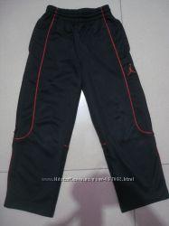 спортивные штаны фирменные 5-6л. 110-116см