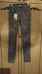 Красивые брюки с принтом