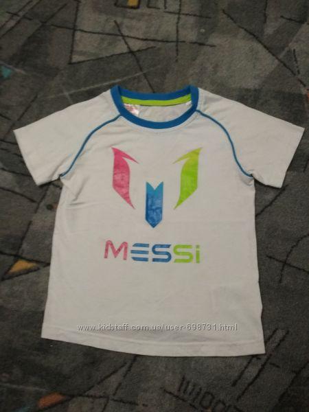 Продам детскую футболку, размер 92. Б. У. Adidas. Оригинал