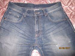 Продам мужские джинсы р. 32