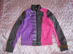 Продам спортивную куртку Puma для девочки 10-12 лет