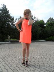 Неоновое шифоновое платье