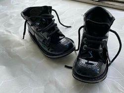 Фирменные кожаные ботинки Kickers оригинал р.32 / 33 стелька 20,5-21см
