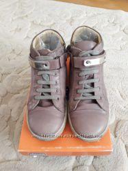 шикарные ботинки Chicco