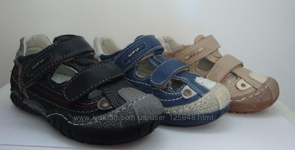 Открытые туфли для мальчишек. Кожа. Румыния