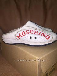 Классные кожаные сабики Moschino, 29 размер