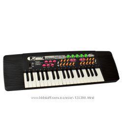 Электросинтезаторы на 44 и 37  клавиши,  микрофон