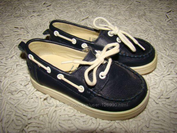 Кожаные туфли топсайдеры baby Gap размер 7 на 24 15, 2 см по стельке