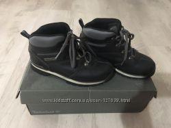Очень классные ботинки Timberland во 2 размере. Идеальные