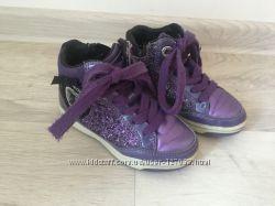 Шикарные ботинки Geox в 25 размере
