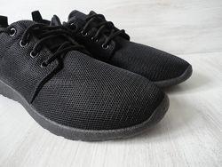 Новые дышащие кроссовки