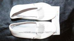 Белые кожаные чешки Pellagio 32 размер 20 см.