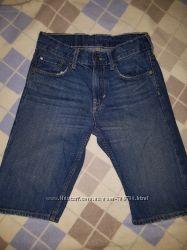 Продам фирменные бу джинсовые шорты на мальчика 8-10 лет рост 140 см.