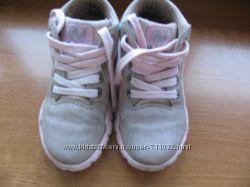 Naturino ботиночки 26 размре