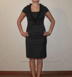 Красивое платье-футляр с рюшами. размер 36-38