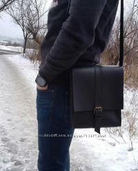 Чёрная кожаная сумка ручной работы