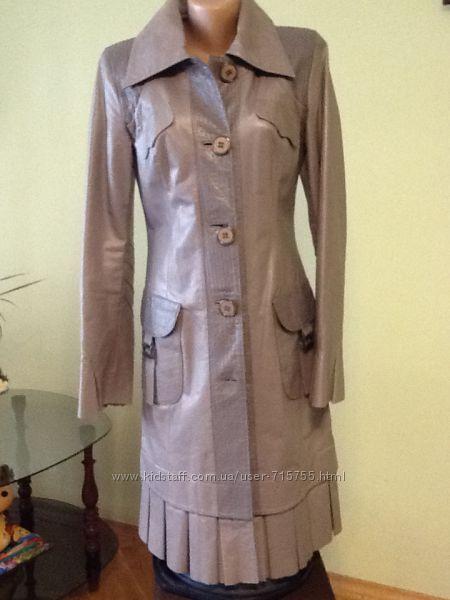 Пальто кожаные в идеале размер S Турция