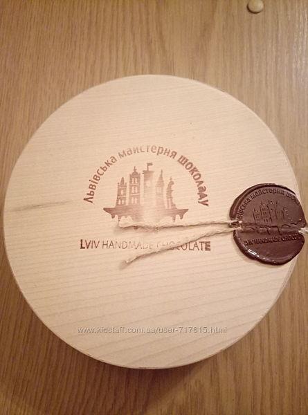 Деревянная коробка от конфет