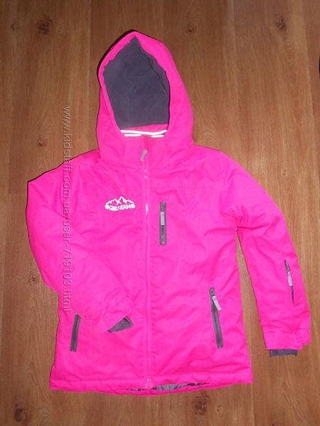 Теплющая курточка девочке 8-10лет
