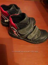 Демисезонные ботинки Perlina 28 р. в отличном состоянии