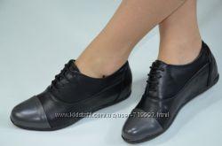 Туфли - ботинки женские черные