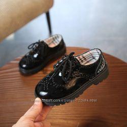 Стильные лаковые туфли 2 цвета 21-37 р-ры черные, белые