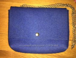 Войлочная сумочка на цепочке Vabi