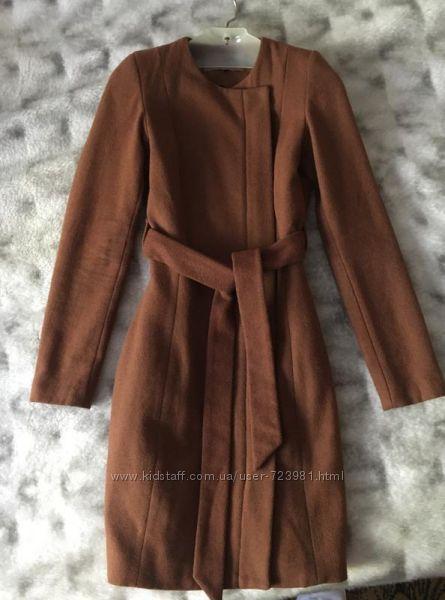 Весеннее шерстяное пальто Mint&Berry