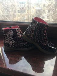Демисезонные ботинки фирмы Apawwa 28 размера