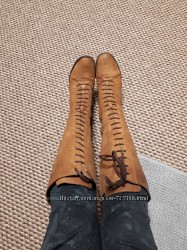 Clarks нубуковые стильные сапоги на шнуровке