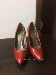 Лаковые туфли лодочки Dorothy Perkins р. 36