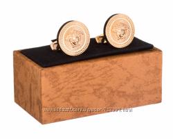 Шикарные мужские запонки Versace из ювелирной стали золотистые гравировка