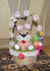 Кролик в корзине