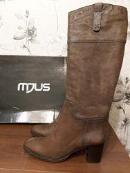 Сапоги MJUS, Италия - новые, 39р, 26см, кожа, деми, стильная модель