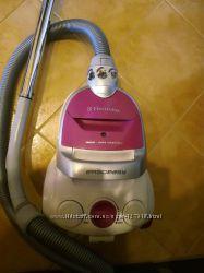 Пылесос Electrolux ZTI 7610