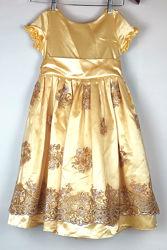 Красивое праздничное платье 6-8 лет