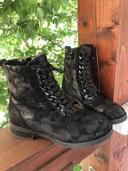 Ботинки девочке, демисезонные. Чёрные. 37 размер. Бу