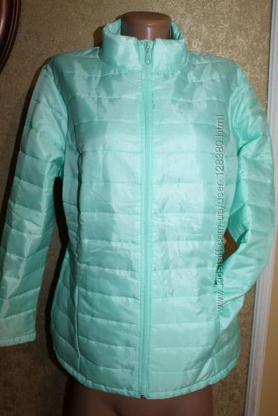 40 - 42 eur. Стильная куртка мятного цвета стеганная