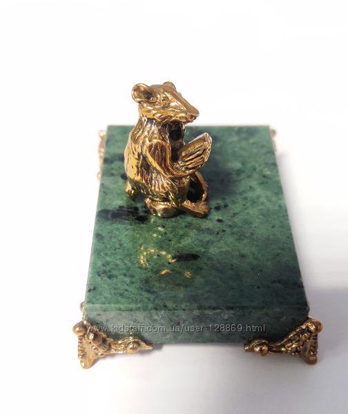 Фигура Крыски Восточный знак из броныз на камне ручная работа мастера